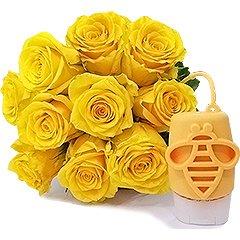 Bouquet de rosas amarelas com gel antisséptico Boticário, aroma leite e mel, com capinha de silicone para levar na bolsa de forma bem prática e charmosa.