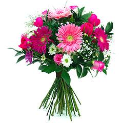 Delicado bouquet confeccionado com gérberas e rosas nacionais em tons de rosa e pink.