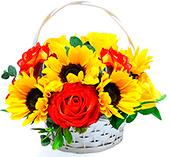 Alegre cesta com tons de amarelo e laranja.