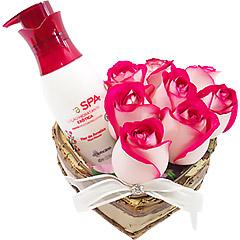 Super hidratante e perfumado creme Boticário  Flor de Ameixa com coração de rosas bicolores.