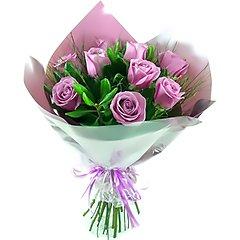 Bouquet com 10 rosas nacionais liláses