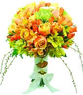 Bouquet de Noiva em tons laranja e verde, alstroemérias e rosas importadas, rosas spray laranja, anastácias verdes e miolos de hortência compõem este maravilhoso bouquet