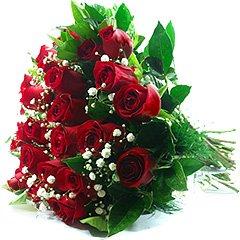Vinte e quatro lindas rosas vermelhas tipo exportação compõem esse bouquet.