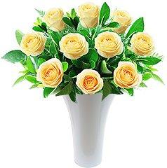 Lindo bouquet de rosas nacionais champagne em vaso de acrilico.