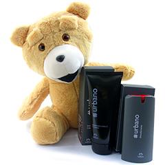 Gracioso presente para o namorado - o urso Teddy, acompanhado de um shampoo e um desodorante Urbano Natura.