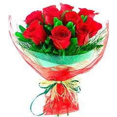 Imponentes 10 rosas tipo exportação embaladas em tela